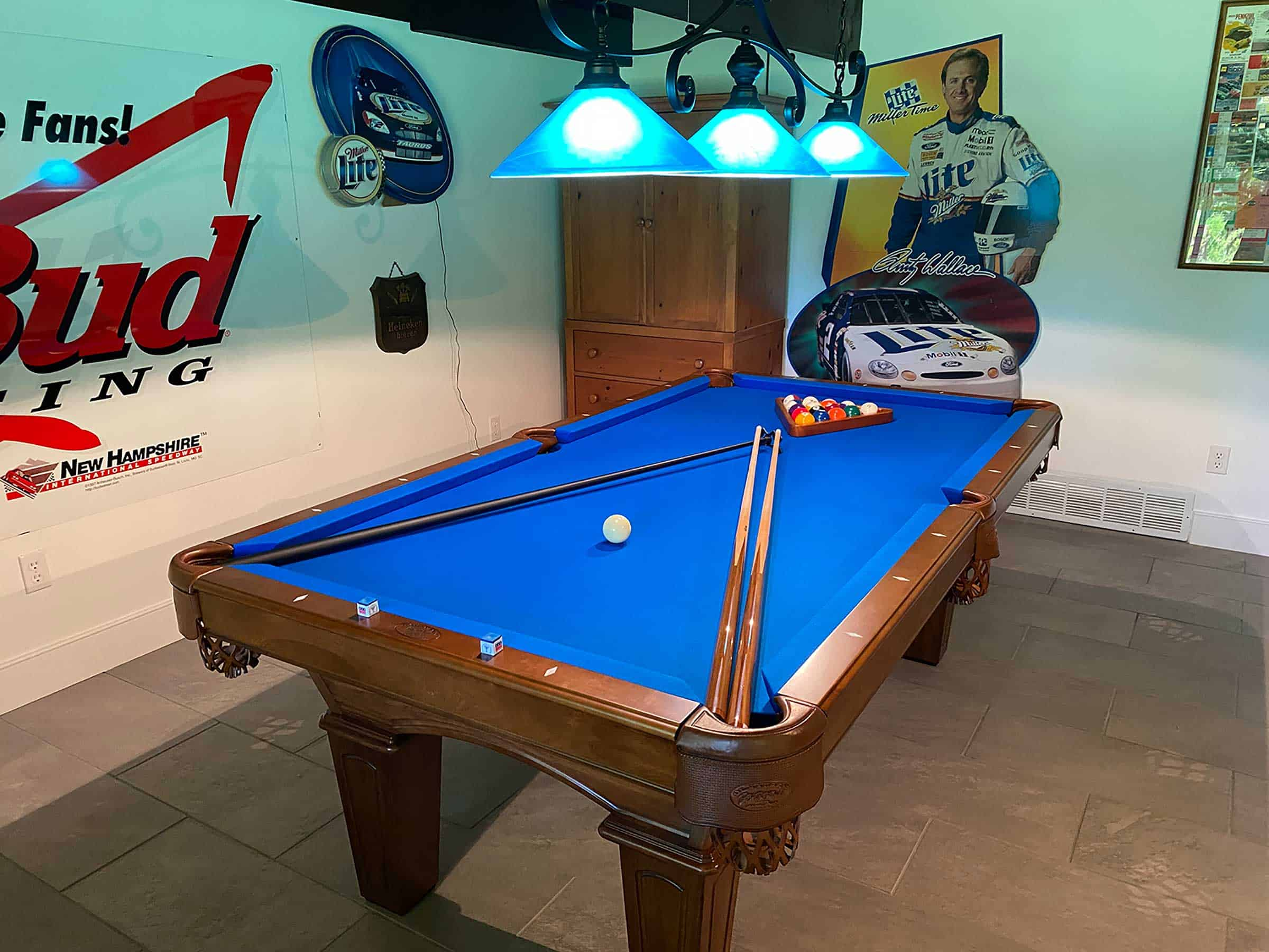 blue pool table in madison ct